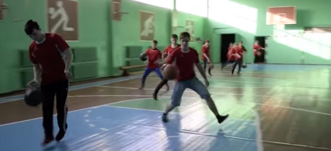 ведение баскетбольного мяча 10 класс