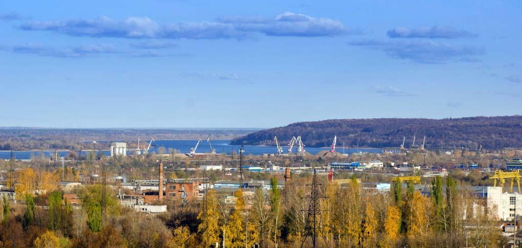 Крупный город Новочебоксарск на берегу Волги