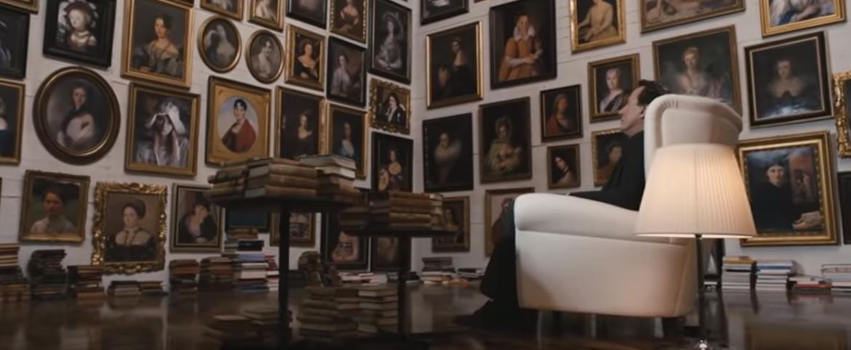 картины девушек в одной комнате