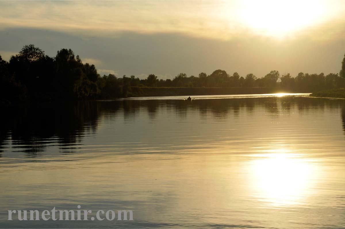 фото природы - закат солнца на реке
